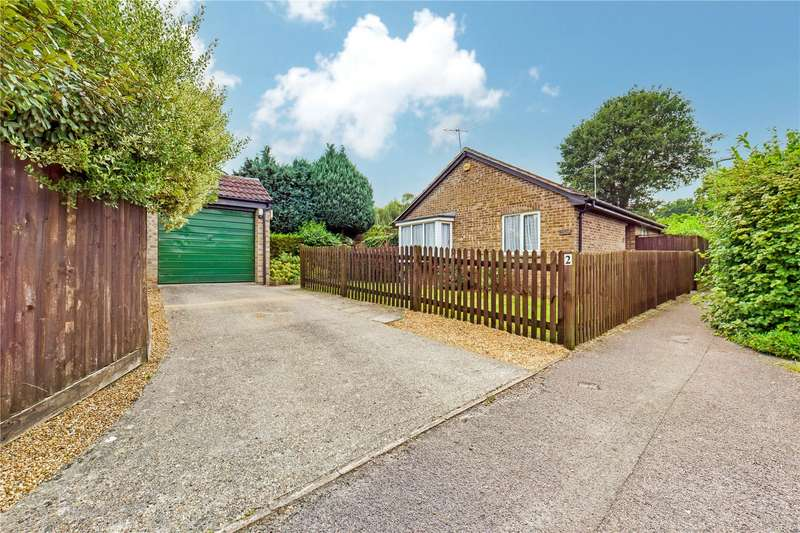 3 Bedrooms Detached Bungalow for sale in Cornwall Close, Tilehurst, Reading, RG31