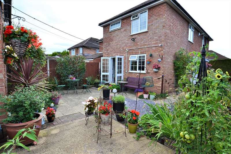 3 Bedrooms Semi Detached House for sale in Alma Road, Hatherley , Cheltenham, GL51 3LZ