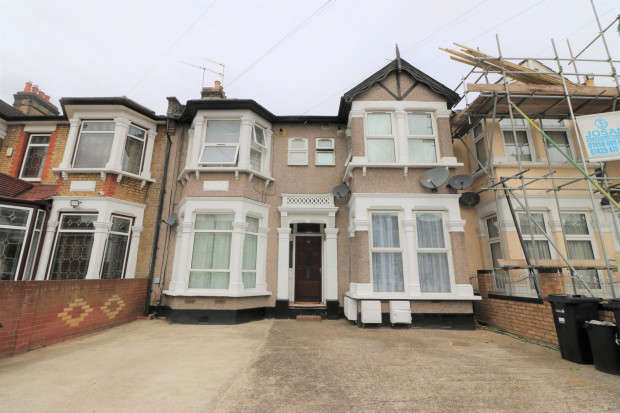 1 Bedroom Flat for sale in Courtland Avenue, Ilford, IG1