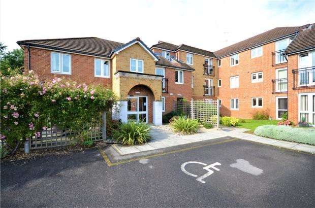 1 Bedroom Apartment Flat for sale in Wyatt Court, Yorktown Road, Sandhurst