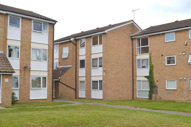 2 Bedrooms Apartment Flat for sale in Woodrose Lodge, Lupin Drive, Chelmsford