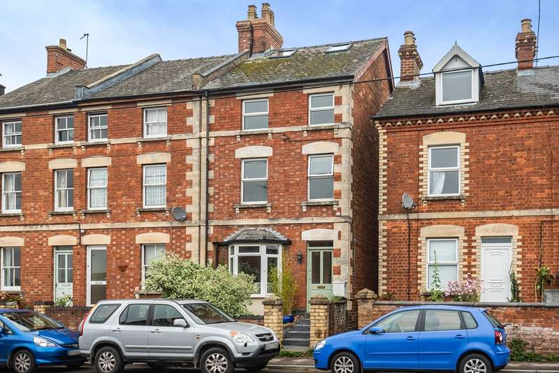 3 Bedrooms Detached House for sale in Horns Road, Old Stroud, Stroud, GL5