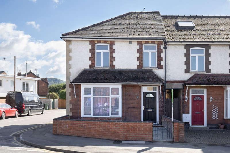 2 Bedrooms Flat for sale in Prestbury Road, Cheltenham GL52 2DT