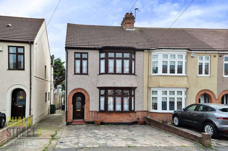 3 Bedrooms Property for sale in Norwood Avenue, Romford, RM7