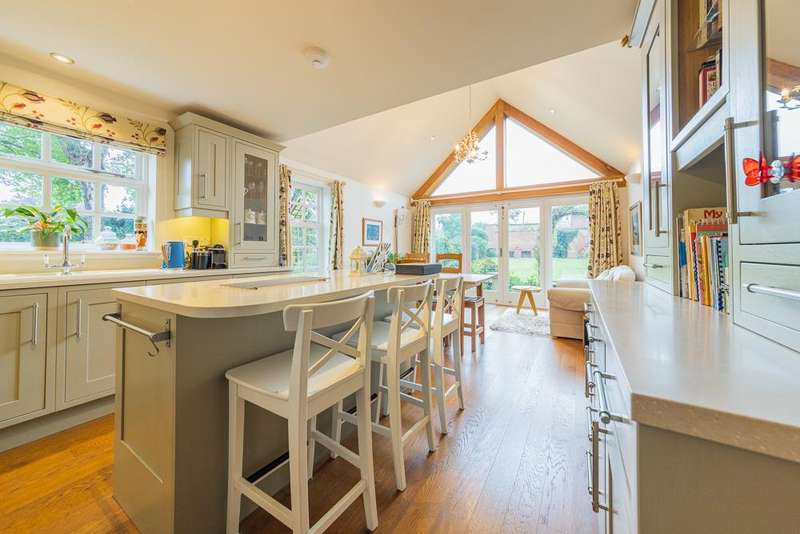 5 Bedrooms Detached House for sale in Nobold Court, Clipston, Market Harborough