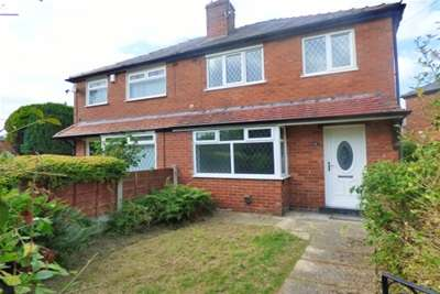 3 Bedrooms House for rent in Windermere Drive, Bury