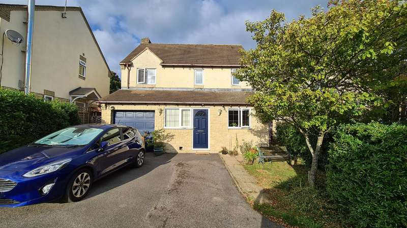 3 Bedrooms Detached House for sale in Lark Rise, Chalford, Stroud, GL6 8FF