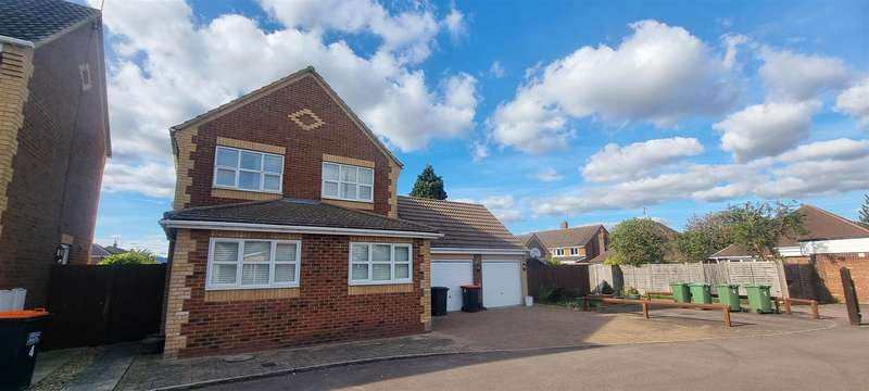 4 Bedrooms Detached House for sale in Poynters Road, Dunstable