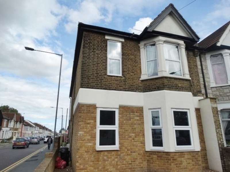 2 Bedrooms Property for rent in Sutton Road, Southend On Sea SS2