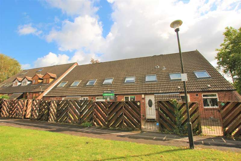 3 Bedrooms Terraced House for sale in Turnberry Walk, Brislington