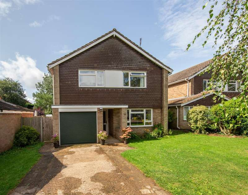4 Bedrooms Detached House for sale in Meadow Road, Toddington