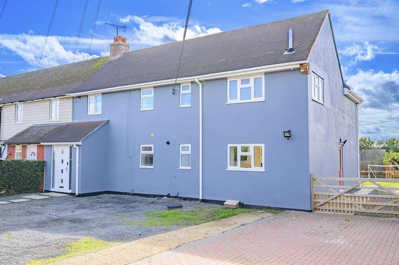 4 Bedrooms Semi Detached House for sale in Ravens Crescent, Felsted, Dunmow