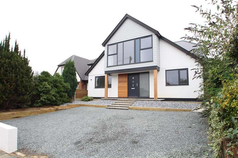 4 Bedrooms House for sale in Rookery Close, Rayleigh