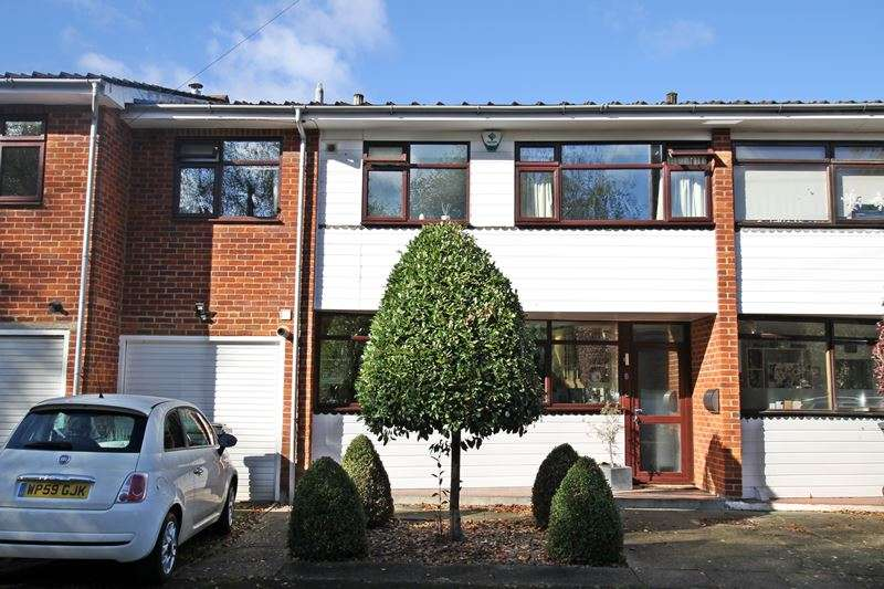 3 Bedrooms Terraced House for sale in Woodmoor End, COOKHAM, SL6