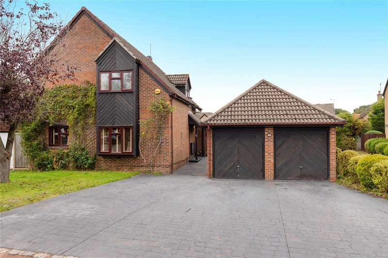 4 Bedrooms Detached House for sale in All Saints Close, Wokingham, Berkshire, RG40