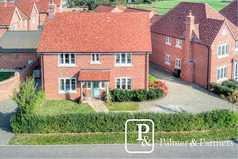4 Bedrooms Detached House for sale in Barleyfield Drive, Weeley