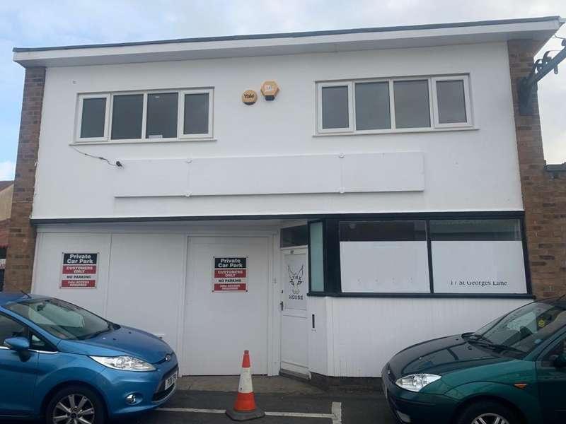 Shop Commercial for rent in St Georges Lane, Cleveleys, FY5 3LT