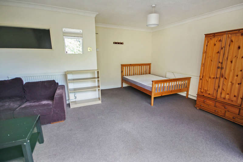 1 Bedroom House for rent in Parklands Drive, Chelmsford