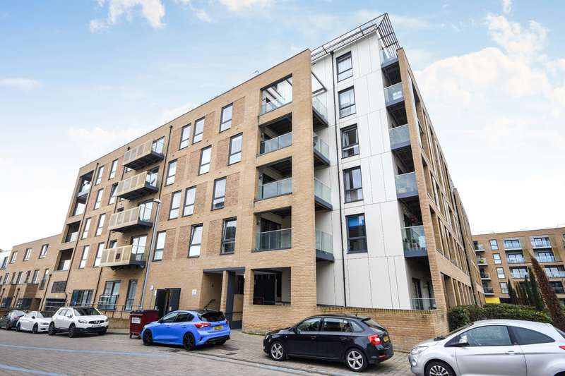 2 Bedrooms Apartment Flat for rent in Dunn Side, Chelmsford
