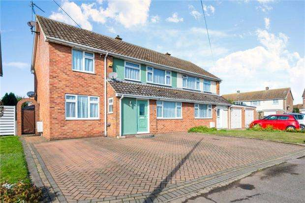 5 Bedrooms Semi Detached House for sale in Burrs Road, Clacton-on-Sea, Essex