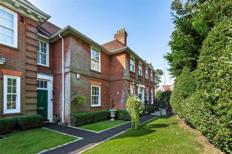 2 Bedrooms Terraced House for sale in Bowes House, High Street, Ongar, Essex, CM5