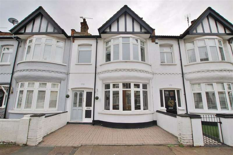 3 Bedrooms Terraced House for rent in Pall Mall, Leigh On Sea, Essex