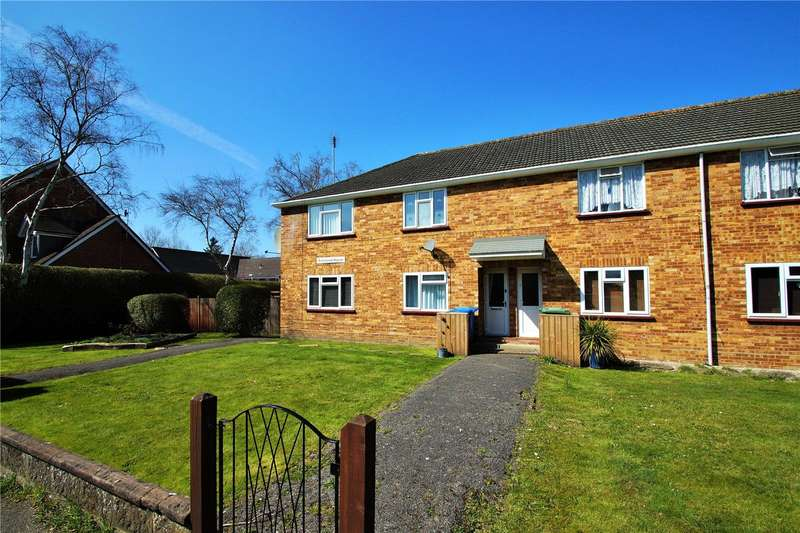 2 Bedrooms Maisonette Flat for sale in College Road, College Town, Sandhurst, Berkshire, GU47