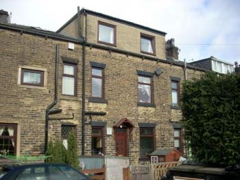 3 Bedrooms Terraced House for sale in Industry Street, Walsden, Todmorden