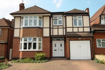 4 Bedrooms Detached House for sale in Holland Walk, Stanmore
