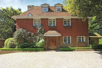 7 Bedrooms Detached House for sale in Dennis Lane, Stanmore