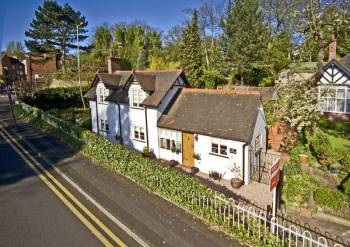 2 Bedrooms Cottage House for sale in TETTENHALL, Lower Green