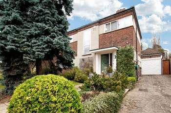 5 Bedrooms Detached House for sale in Glanleam Road, Stanmore