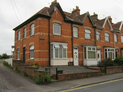 2 Bedrooms Terraced House for sale in Rhode Lane, Bridgwater