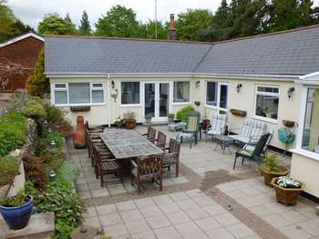 4 Bedrooms Detached House for sale in The Avenue, Whyteleafe CR36