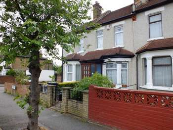 3 Bedrooms Terraced House for sale in Livingstone Road, Thornton Heath CR7