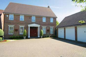 5 Bedrooms Detached House for sale in Rees Drive, Stanmore