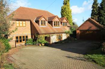 5 Bedrooms Detached House for sale in Elstree Road, Bushey Heath