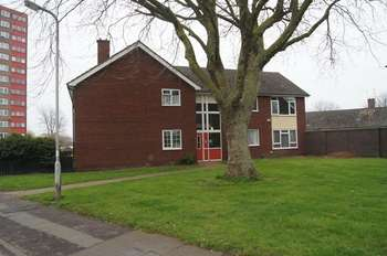 1 Bedroom Flat for sale in One Bedroom Ground Floor Flat