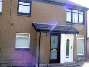 2 Bedrooms Flat for sale in Mckirdy Court, Kirkmuirhill, Lanark