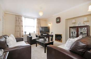 2 Bedrooms Terraced House for sale in Westcott Crescent, W7