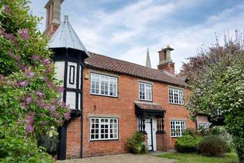 3 Bedrooms Semi Detached House for sale in Harlaxton, Grantham