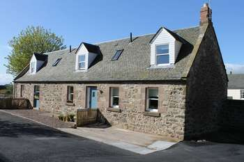 4 Bedrooms Detached House for sale in Manse Stables, Castle Street, Duns