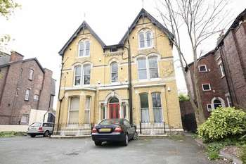 2 Bedrooms Flat for sale in Linnet Lane, Sefton Park, Liverpool, L17