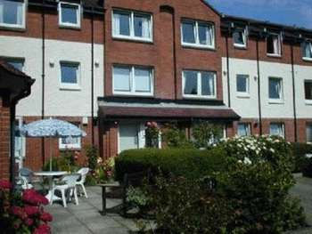 1 Bedroom Retirement Property for sale in 19 Keil Court, Helensburgh, G84 7AW