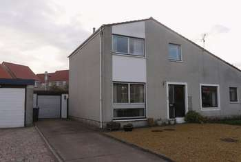 3 Bedrooms Semi Detached House for sale in Grangeburn Close, Tweedmouth, Berwick-Upon-Tweed