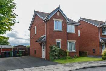 3 Bedrooms Detached House for sale in Rivermeade, Southport