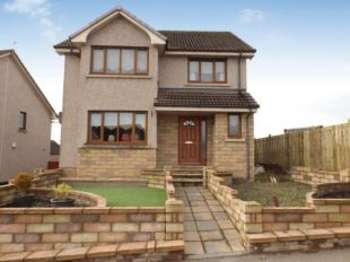 3 Bedrooms Detached House for sale in Robbiesland Drive, Cumnock