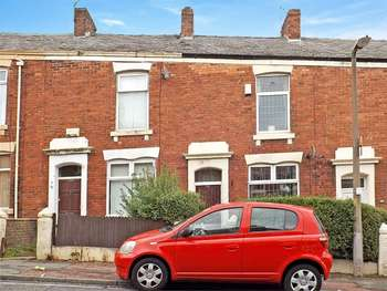 2 Bedrooms Terraced House for sale in New Bank Road, Blackburn, Lancashire