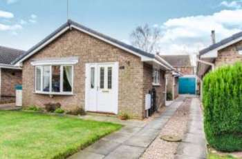 3 Bedrooms Bungalow for sale in Harpenden Drive, Dunscroft, Doncaster