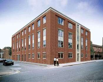 2 Bedrooms Flat for sale in Royal Court,56 Haydn Road NG5 2JU